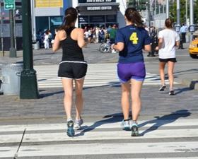 ウォーキング一万歩でカロリー消費量どのくらい?